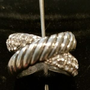 Jewelry - Cigar pave crossover ring size 6, 7,8